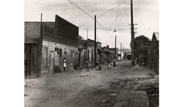 1920s: Children playing in Oxnard China Alley