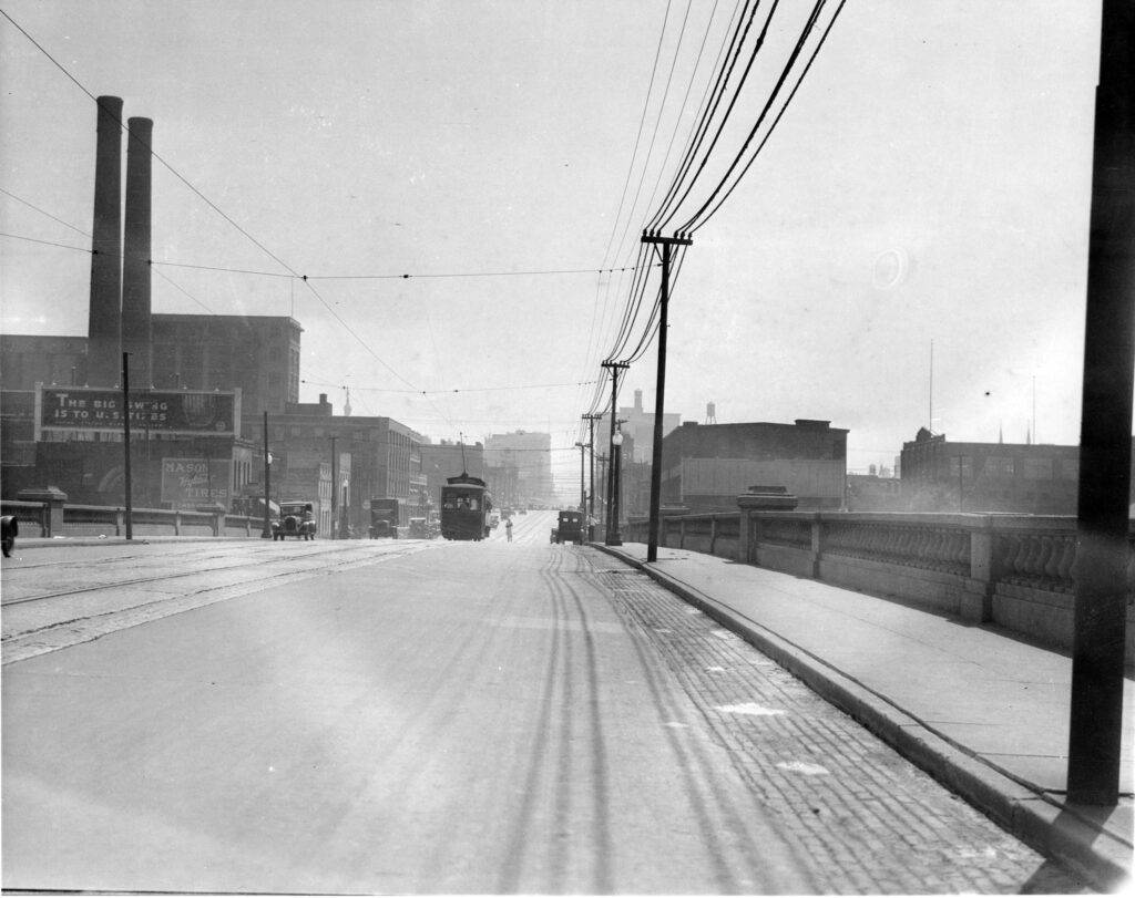 1925: The Washington St. Bridge carried workers over the White River to industrial jobs and home.
