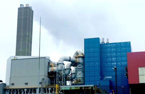 Every year Covanta Essex burns 1 mil. tons of garbage, which generates electricity. Byproducts include lead and dioxin.